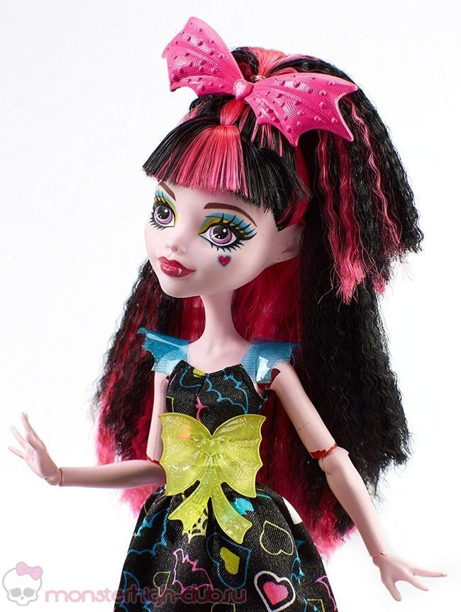 monster_high_draculaura_hair_raising_ghouls_electrified_new_doll_2016 (6)